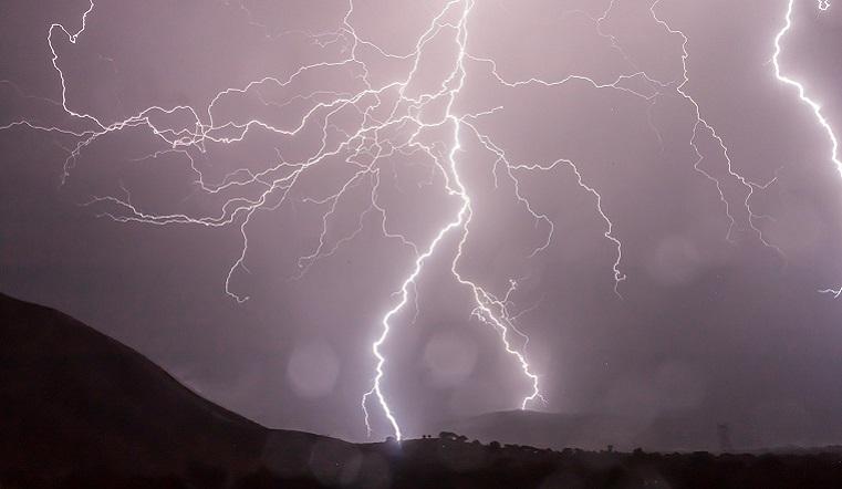 Грозы и шторм. Резкая смена погоды ожидается на Южном Урале