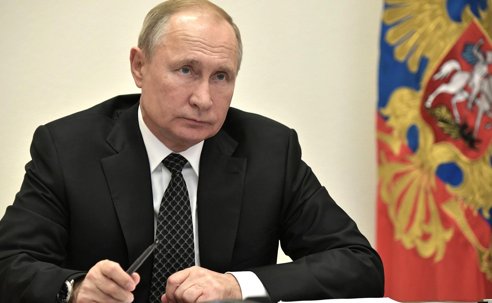 Поэтапный выход. Владимир Путин рассказал, что выходные в России закончились