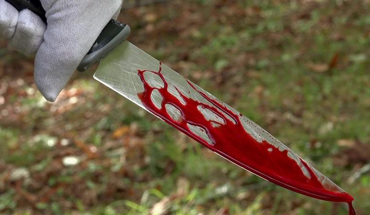 Весь диван в крови. В Челябинской области убита женщина