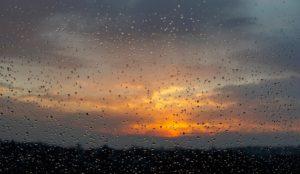 Мерзопакостная погода. На Урал идет холодный циклон с дождями
