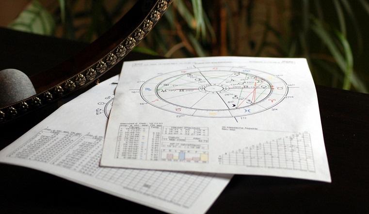 Гороскоп на 13 мая. Астрологи назвали 3 знака, которые смогут разбогатеть