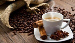 Всего 2 чашки. Ученые выяснили, как кофе влияет на вес