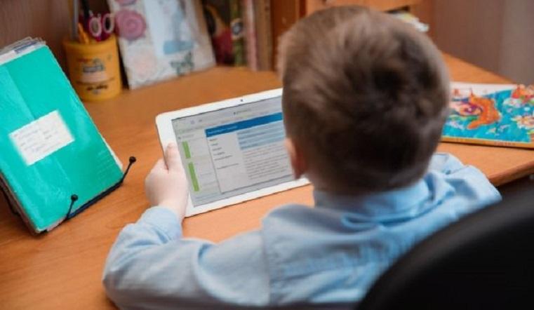 Вклад в будущее. Для школьников на Урале закупили планшеты