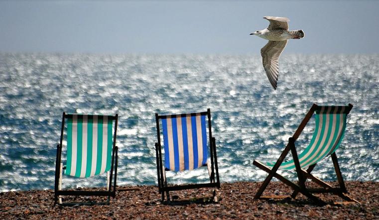Готовим шляпы и купальники. Когда откроются пляжи по всей России
