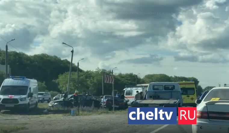 Поворот не туда. Иномарка раздавила «Ладу» на въезде в Челябинск ВИДЕО