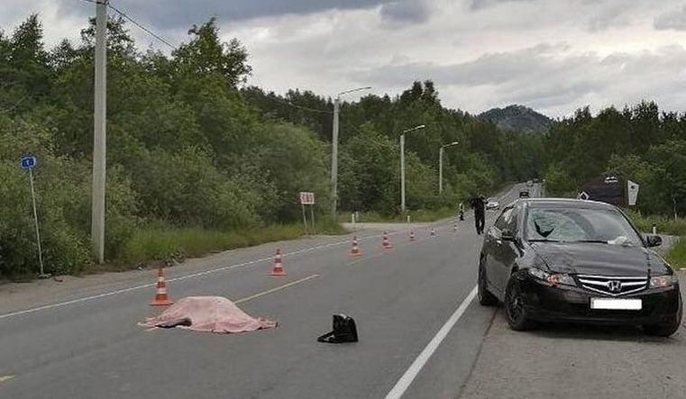 Внезапно выскочил на шоссе. Пешеход погиб на трассе в Челябинской области