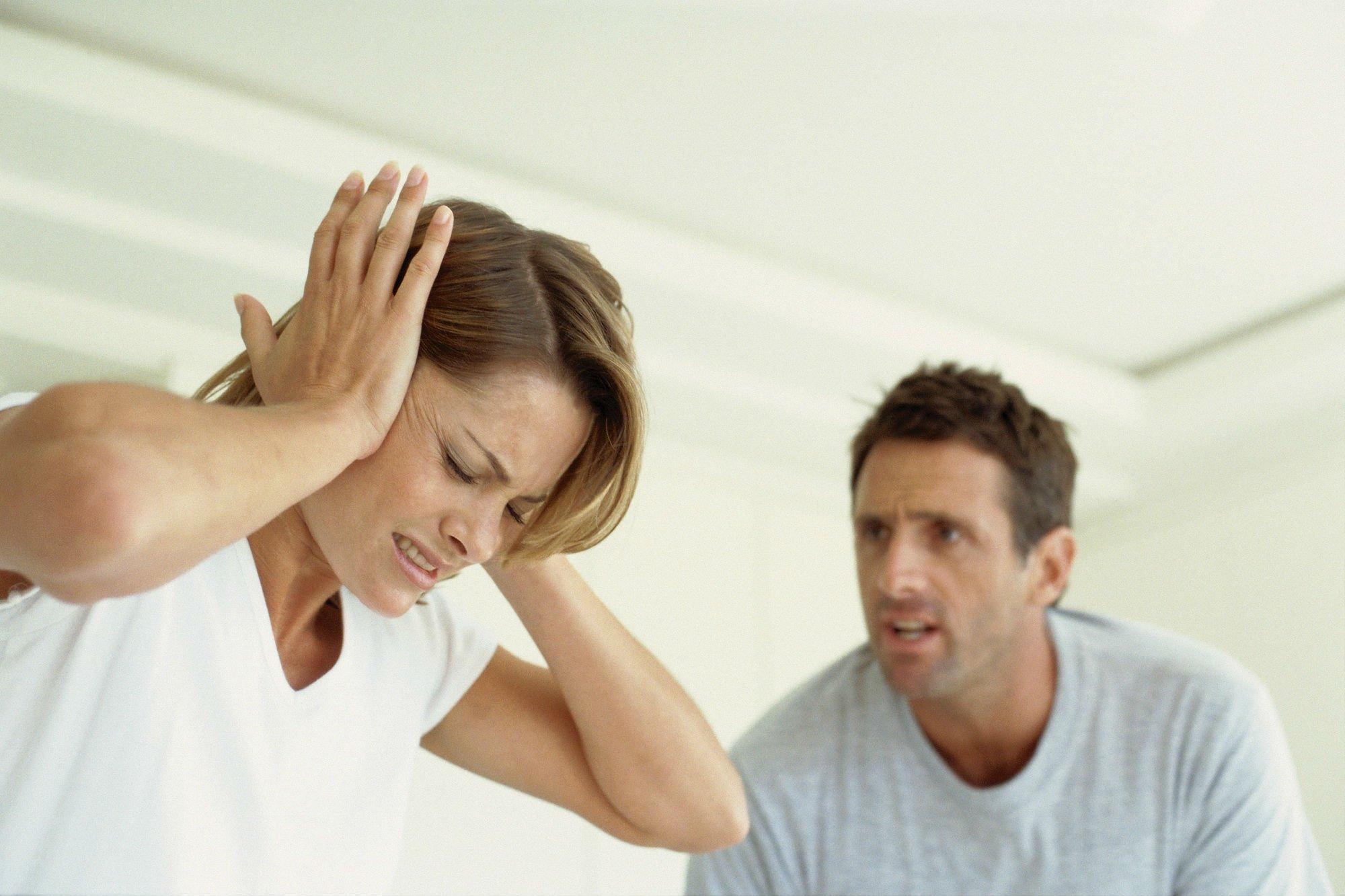 можно накинуть картинки про конфликты между мужем и женой рактически каждом предмете