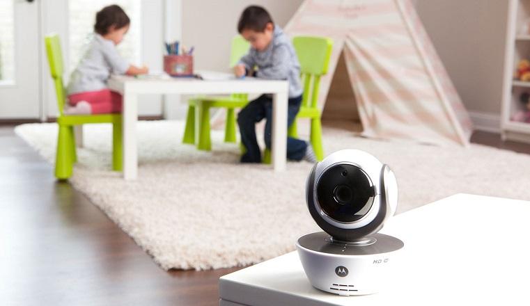 Видеоконтроль 24 часа. Как на Южном Урале родители следят за детьми