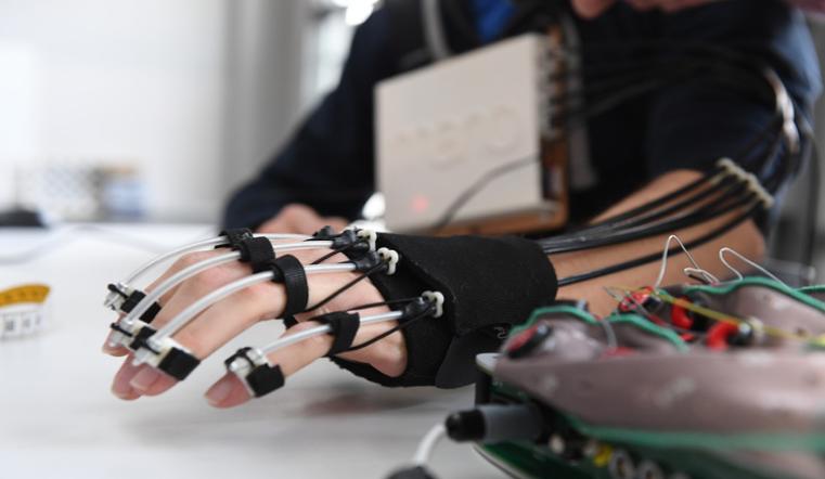 Вернуть движение. Уникальная разработка магнитогорских ученых - экзоскелет руки