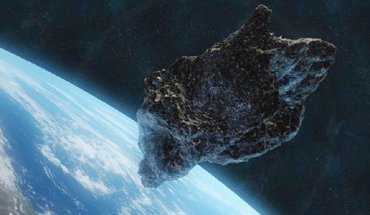 Оглянуться не успеешь. К Земле несется опасный астероид размером с футбольное поле