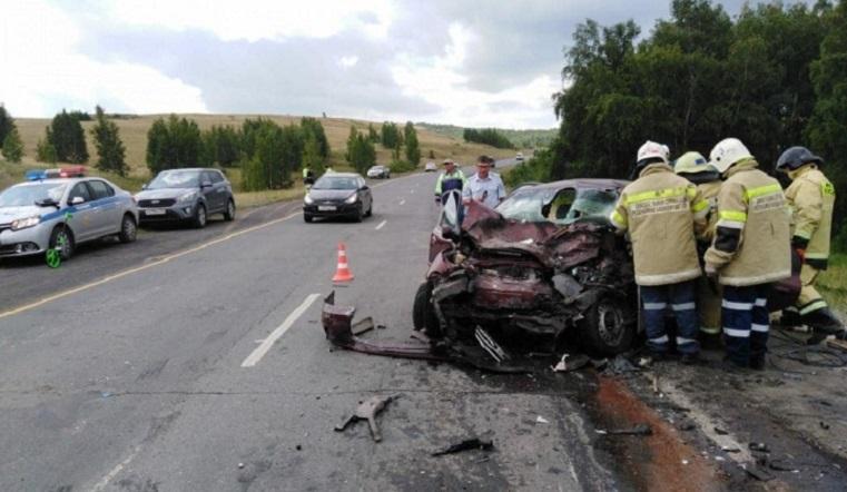 Впечаталась в джип. В ДТП на Урале погибла женщина-водитель