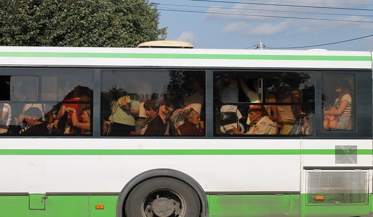 Закипел. В Челябинске на ходу задымился автобус с пассажирами ВИДЕО