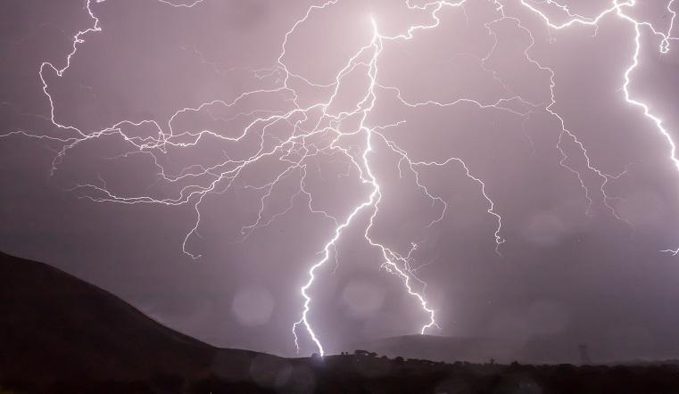 Синоптики предупредили об экстремальном шторме на Урале