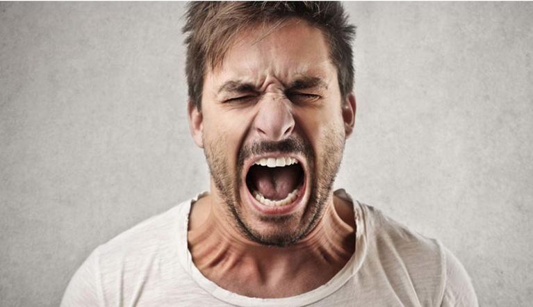 Дефицит радости. Ученые рассказали, как стрессы вредят зубам