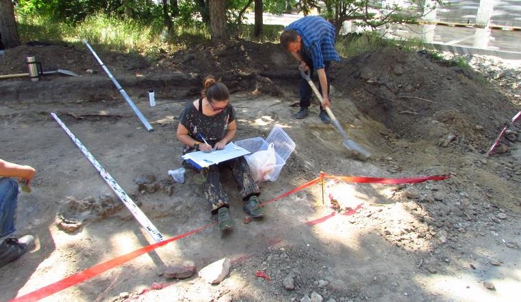 Ходили по костям. В центре города на Южном Урале обнаружили череп ребенка