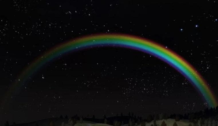 Рожденная лунным светом. Необычную радугу «поймали» на Урале