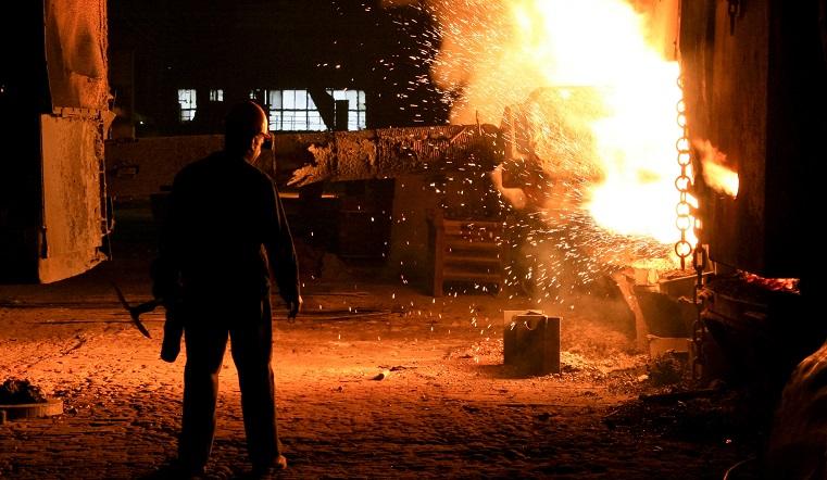 4 человека в больнице. Пожар на крупном предприятии расследуют в Челябинской области