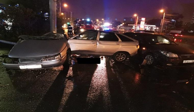 Авто разорвало пополам. Жесткое ДТП в Челябинске унесло жизнь человека