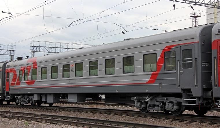 Неудачные проводы. На Урале пенсионерке пришлось прыгать из поезда