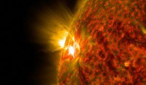 Мощный взрыв на Солнце. Будут ли магнитные бури