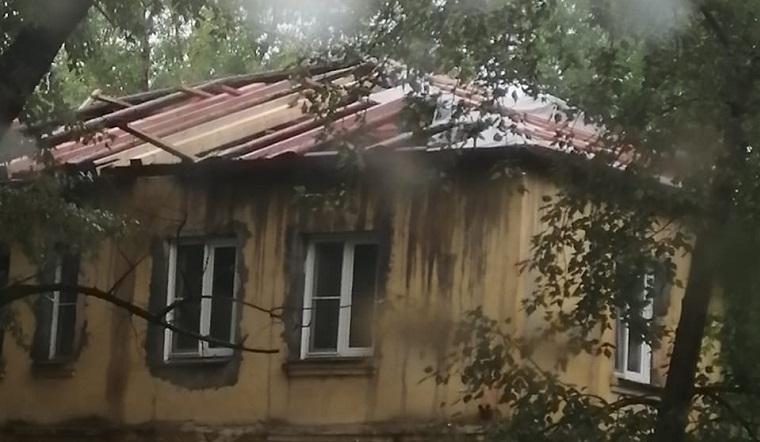 «Это катастрофа». В Челябинске во время капремонта затопило многоквартирный дом