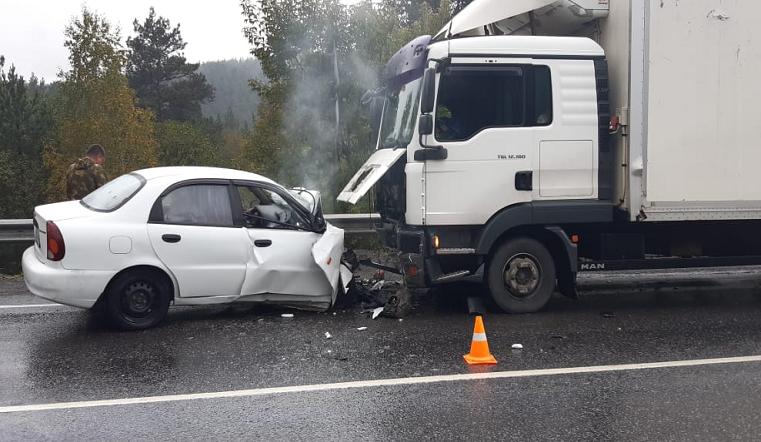 «Водителя зажало». Страшное ДТП произошло на трассе М5 Урал
