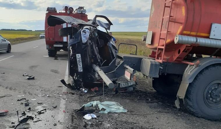 Раздавило грузовиком. Смертельное ДТП произошло на трассе в Челябинской области