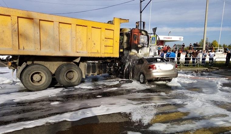 Сгорели заживо. На Южном Урале в ДТП погибли 2 взрослых и ребёнок