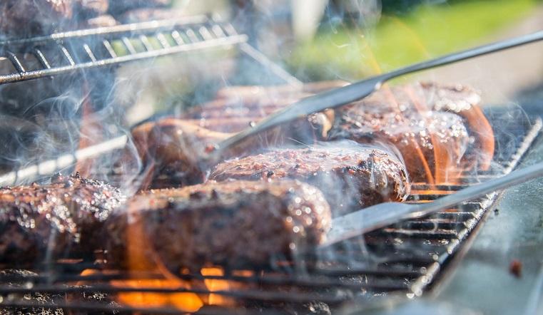 Вкусно, но очень вредно. Ученые назвали опасный способ приготовления мяса