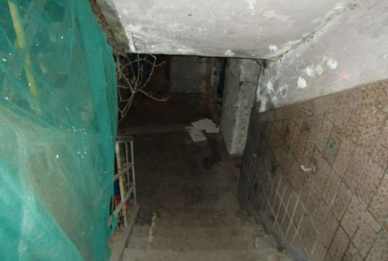 Хозяин подземелья. Часть подвала жилого дома в Челябинске застраивает неизвестный предприниматель