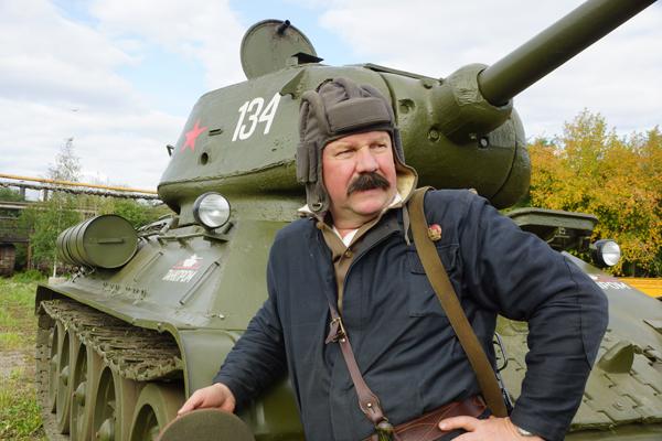 Кузнецы Победы. Танковый бой реконструировали в Челябинске