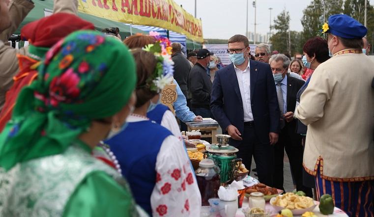Гигантские овощи и местный сыр. Аграрии Челябинской области ставят рекорды