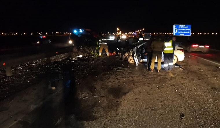 Авто разлетелись на части. В ДТП под Челябинском 1 человек погиб, 2 пострадали