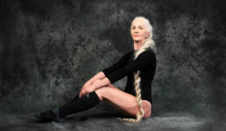 Качает пресс по 40 раз. 70-летняя пенсионерка из Челябинской области открыла фитнес-клуб