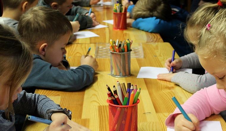 Некому кормить. Воспитанников детского сада на Урале перевели на сухпайки из-за болезни поваров
