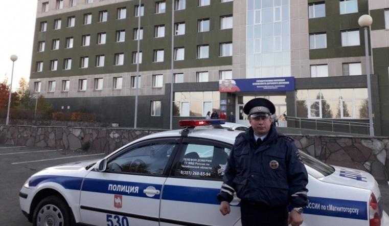 Счет шел на минуты. На Урале полицейский спас застрявшего в пробке больного ребенка