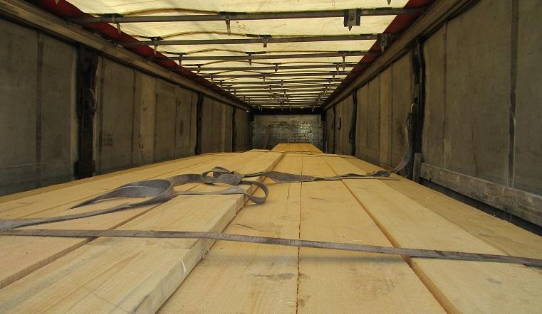 Контрабанда леса. На границе Челябинской области задержали крупную партию древесины