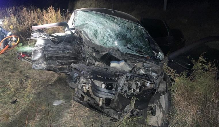 Автомобиль расплющило. В лобовом ДТП погиб житель Челябинской области