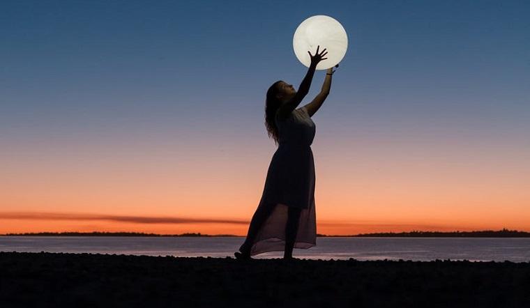 Лунный календарь на 17 октября: день новых идей и крупных ошибок