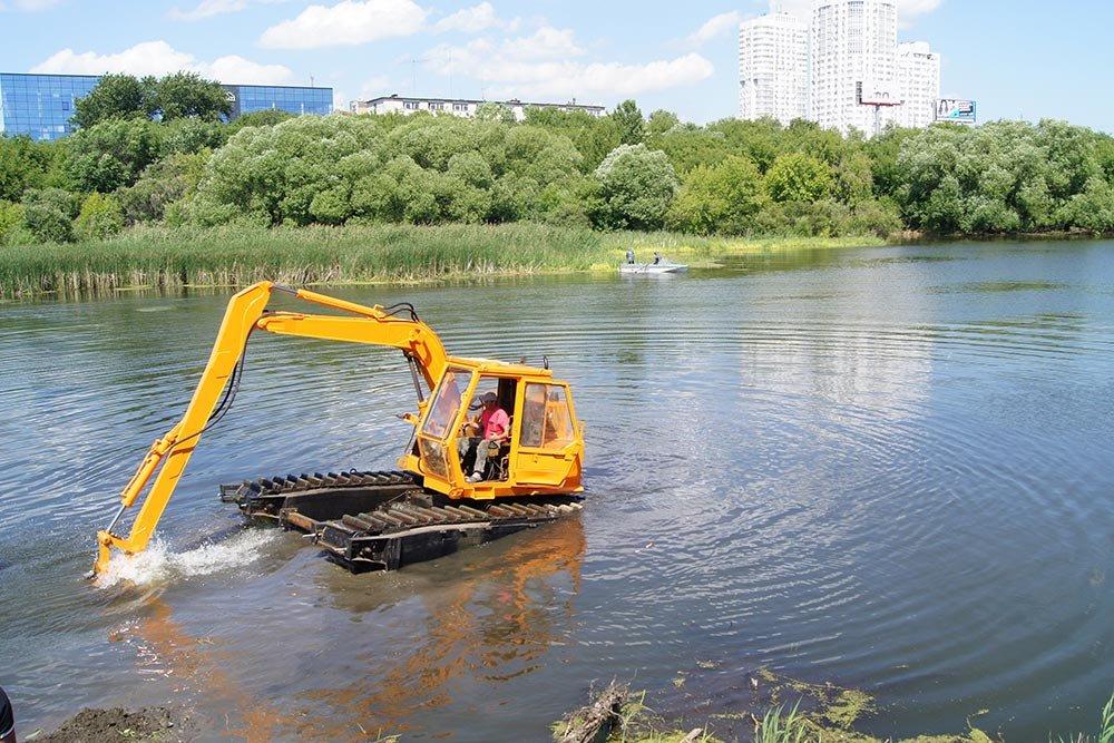 Телеги, покрышки, иконы: что еще нашли, пока реку в Челябинске чистили