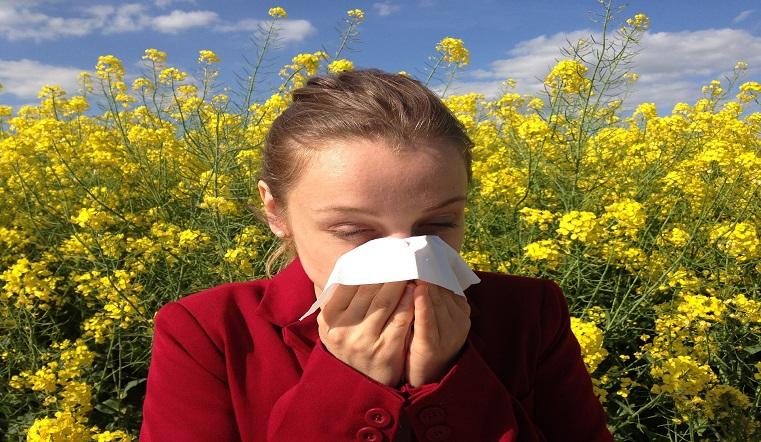 Признаки простуды. Ученые объяснили, почему человек чихает