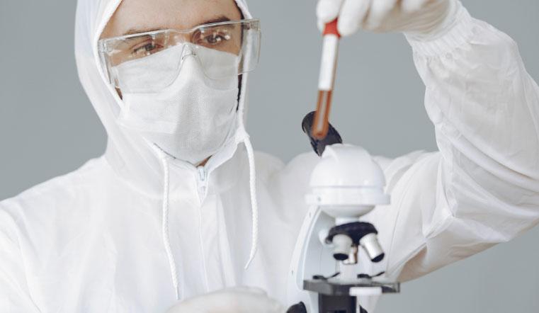 Заразный и стойкий. На Урале обнаружили новые мутации коронавируса