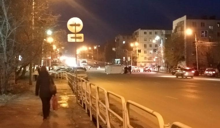 На бешеной скорости. После аварии в Челябинске перевернулась «Газель»