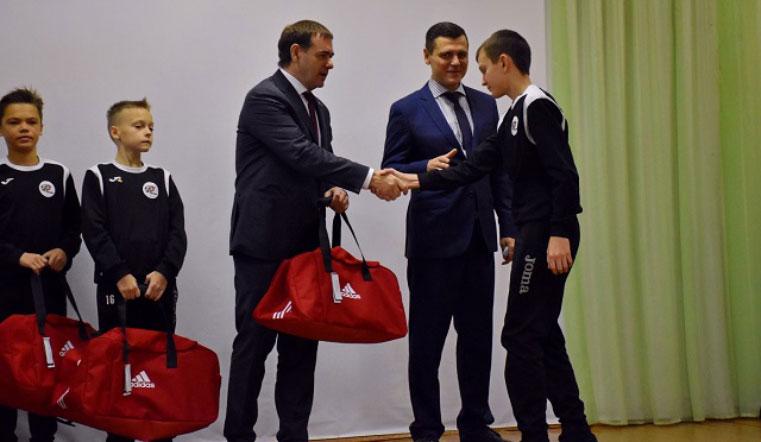 Сильнейшие в России. На Южном Урале наградили победителей чемпионата по мини-футболу