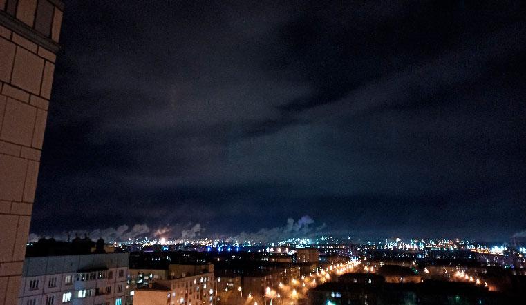 Мистический луч. Жителей Урала удивили световые столбы в ночном небе ВИДЕО