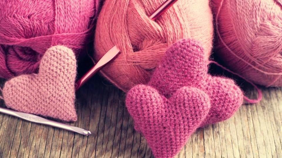 Сделано с любовью. Челябинка своими руками создает подарки для детей-сирот