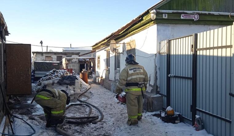 Ожоги 90% тела. Пожарные на Урале предотвратили взрыв газа в жилом доме, есть пострадавший