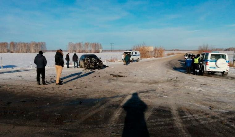 Скончались на месте. Женщина и ребенок погибли в аварии под Челябинском