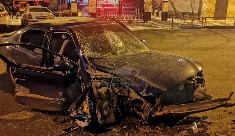 Бампер всмятку. В Челябинске два человека пострадали в ДТП