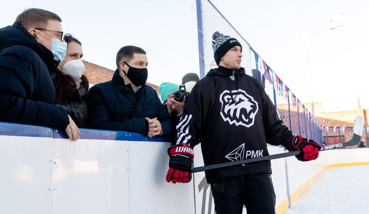 Для будущих звезд НХЛ. В Челябинской области открыли современную хоккейную площадку. Хоккей Челябинск